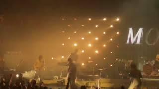 Baixar Arctic Monkeys - I Bet That You Look Good On The Dancefloor LIVE (Royal Albert Hall, LONDON 7/6/18)