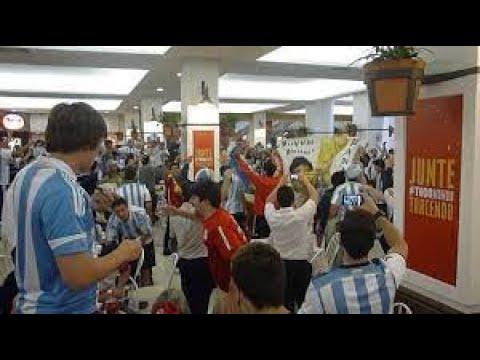 Rolezinho de argentinos - Shopping Praia de Belas - Porto Alegre/RS