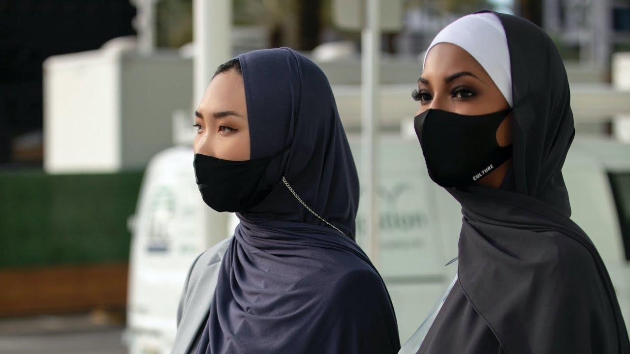 L'abbigliamento delle donne musulmane è stato spesso oggetto di accesi dibattiti in occidente dove è stato preso come simbolo. Culture Hijab Co Hijabs Scarves Modest Apparel
