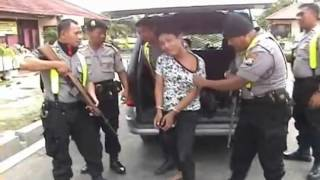 Download Video Penangkapan Bandar narkoba.FLV MP3 3GP MP4