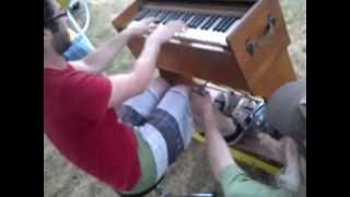 Scotty and Eva Leach Centralia 2012 pump organ.mp4