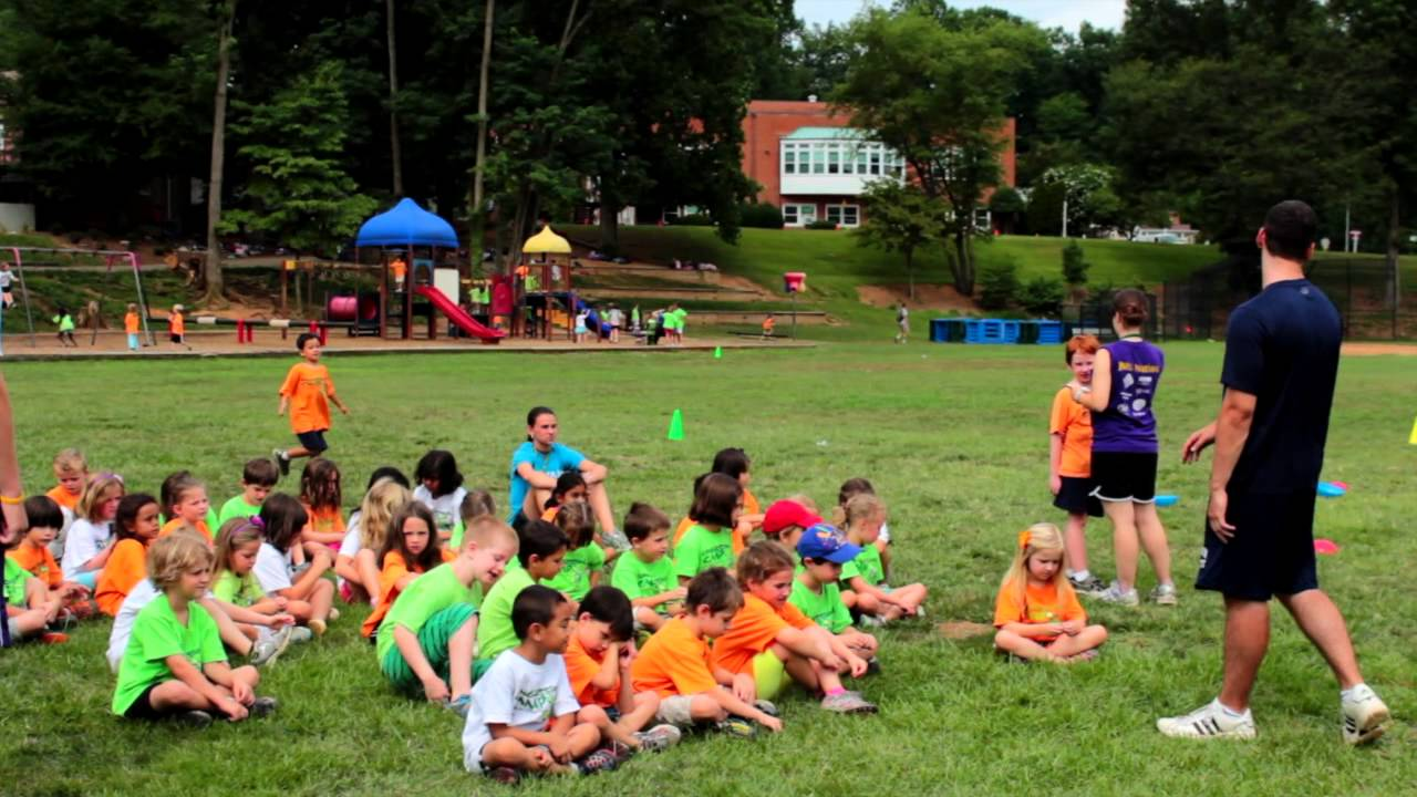 advantages of summer camp 4 ways summer camp can benefit your child it is a well known fact that school-aged children are in a very important developmental time in their lives they learn how to function independently, learn the importance of working together as a team, and so much more.