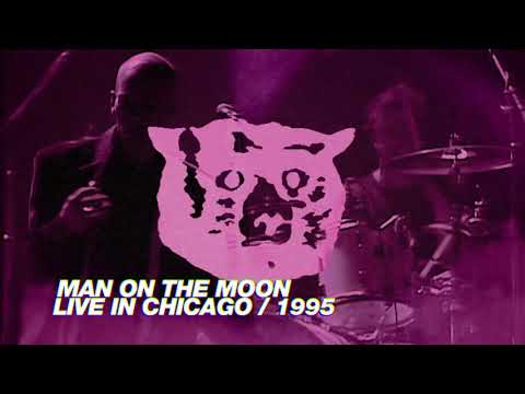 R.E.M. - Man On The Moon (Live in Chicago / 1995 Monster Tour)