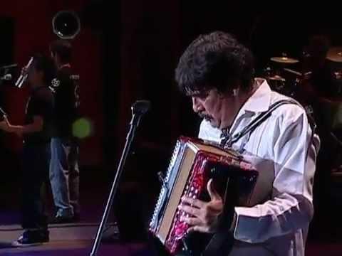 Celso Piña - Cumbia Poder (En Vivo)