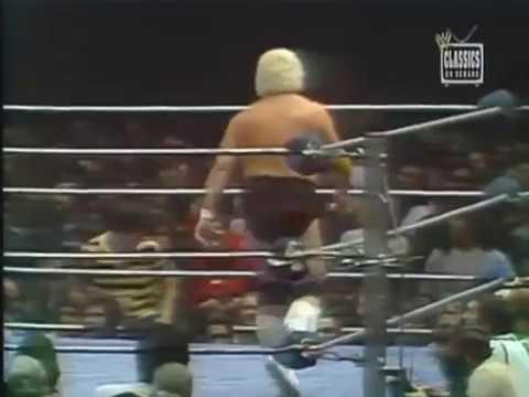 Superstar Billy Graham vs Dusty Rhodes (Texas Death Match)