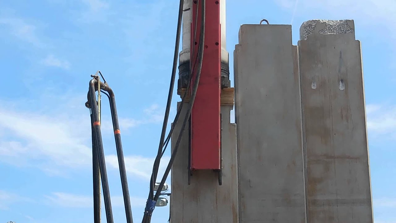 Sheet Pile Wall Construction |