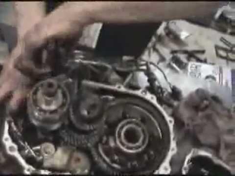 Suzuki V 225 Lt 243 Bek 246 T 246 Tt Szemmel Youtube