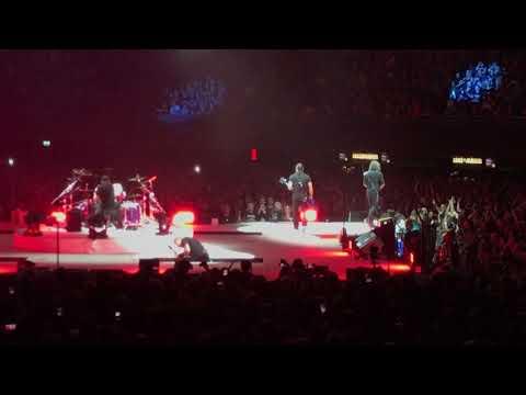 James hetfield falls on stage ziggo dome 2017 amsterdam metallica 4 september