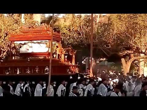 Entrada de santo entierro  a la iglesia en Nahuizalco 2017