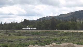 ALAS  HK 4850 piper PA-34 seneca  take off  from tunja SKGU(despeguando de tunja) (SKGU)