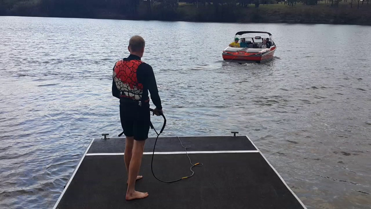 Funny Video: Barefoot Skiing Fail