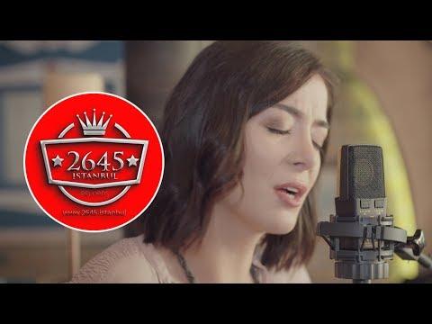 Ezgi Eyüboğlu -  Vay Bana (Akustik)