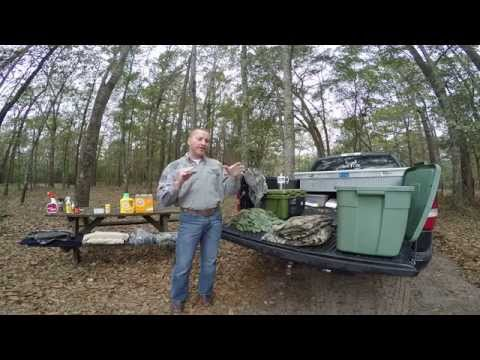 How to cover your scent when deer and hog hunting