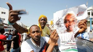 Гамбия  Джамме не стал королем, а признал поражение