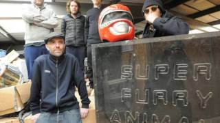 Super Furry Animals b-side to Fire In My Heart. I've uploaded it be...