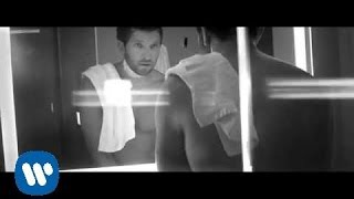 Brett Eldredge – Mean To Me Video Thumbnail
