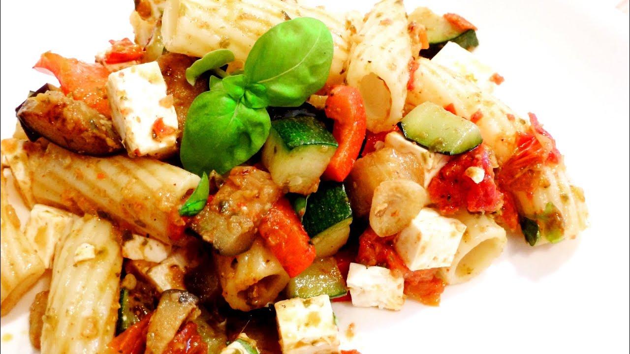 nudelsalat mediterran salat rezept mit gegrilltem gem se f rs picknick von einfachkochen youtube. Black Bedroom Furniture Sets. Home Design Ideas