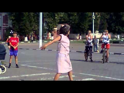 бабка танцует в московской облости город ногинск.mp4