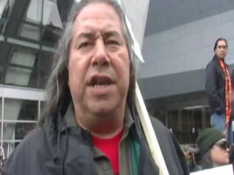 Leonard Peltier brutally attacked in prison