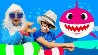 Bebé Tiburón   Baby Shark en español   Baile Baby shark   Canciones Infantiles   Alex y Nastya