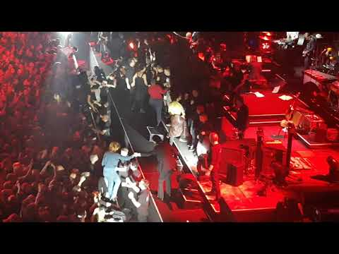 """Nick Cave And The Bad Seeds """"Weeping Song"""" & """"Stagger Lee"""" live Berlin 2017"""