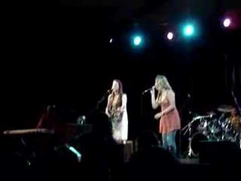 Susan Tedeschi with Sonya Kitchell - Angel From Montgomery
