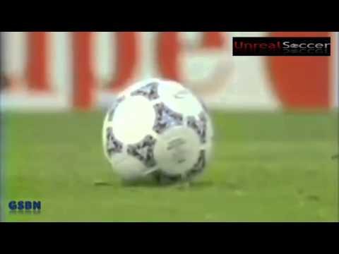 Roberto Carlos vs Mohd Faiz Subri Incredible Banana Strike   Whose free kick was better
