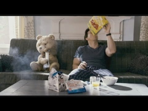 euronews cinema - 'Ted', un oso de peluche nada corriente