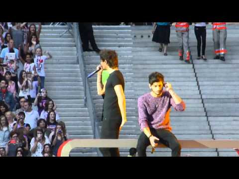 Happily - One direction @Paris (Stade de France) ; 21 Juin 2014.