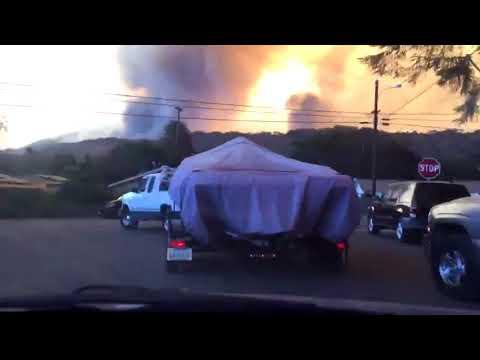 Timelapse Captures California Residents Evacuating Oxnard Neighborhood During Thomas Fire