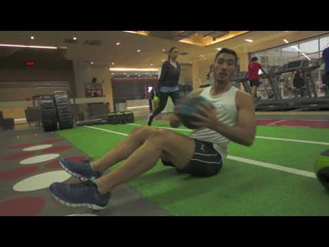 Chris Everingham - Medicine Ball - russian twist - ab and six pack