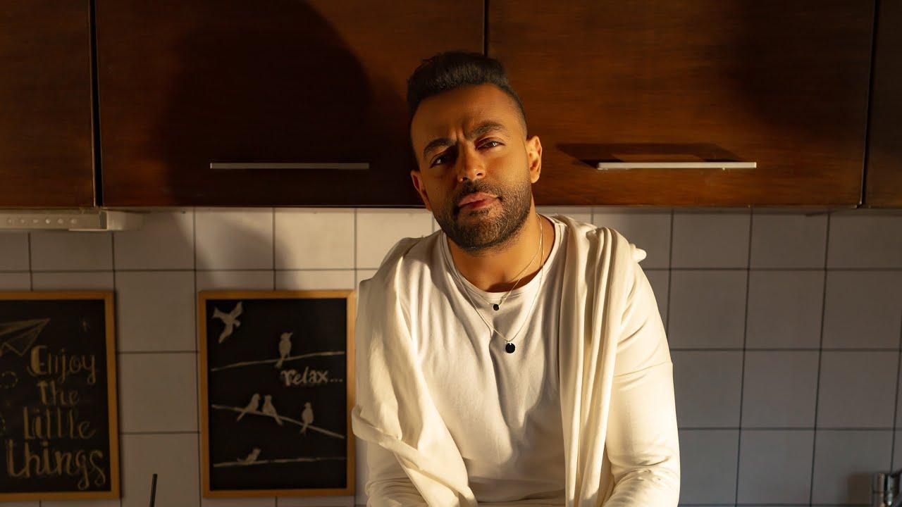 Tamer Ashour - Ba2ol 3adi | (تامر عاشور - بقول عادي (فيديو كليب