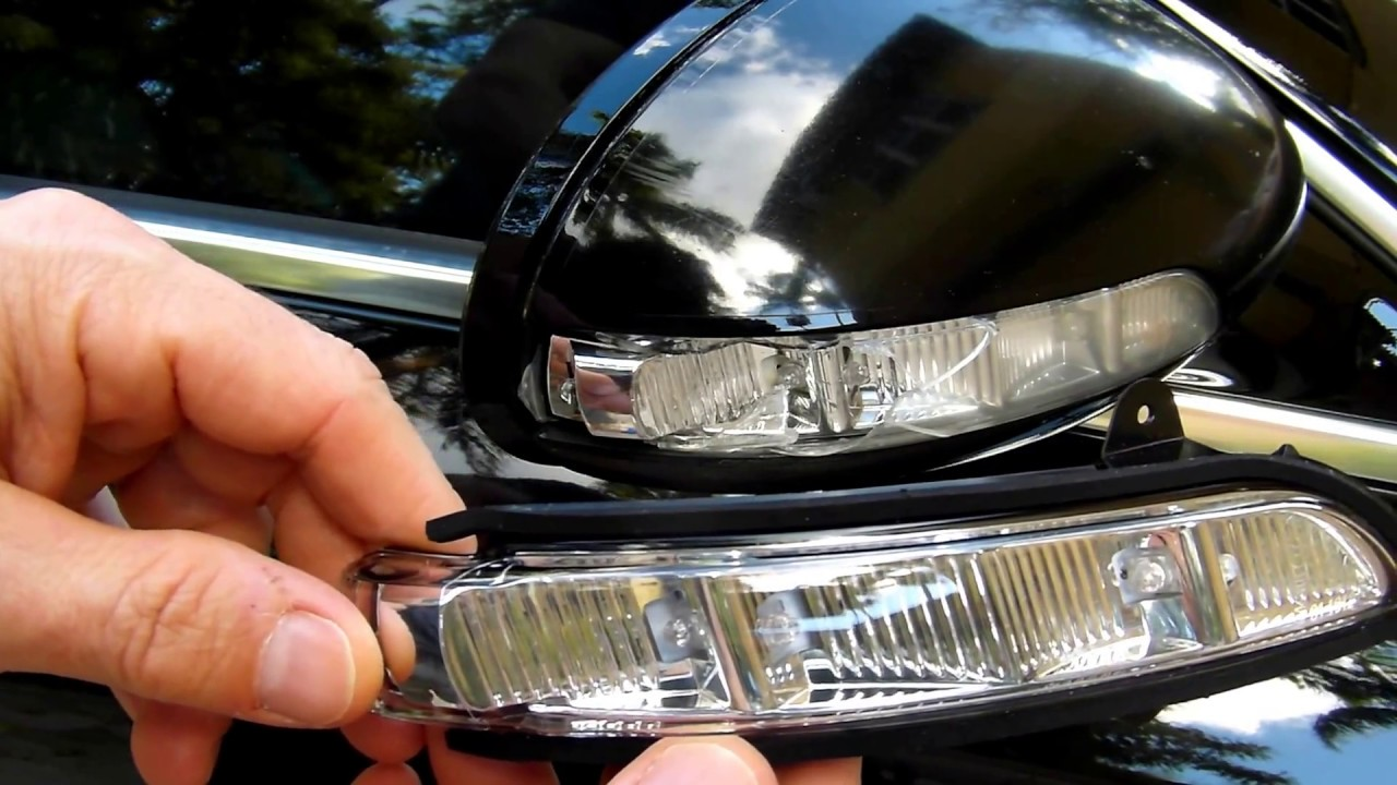 How to replace mercedes benz cls 550 2008 side view for Mercedes benz side mirror turn signal