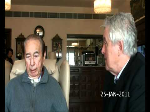 Stanley Ho Talks With His Lawyer On Jan. 25