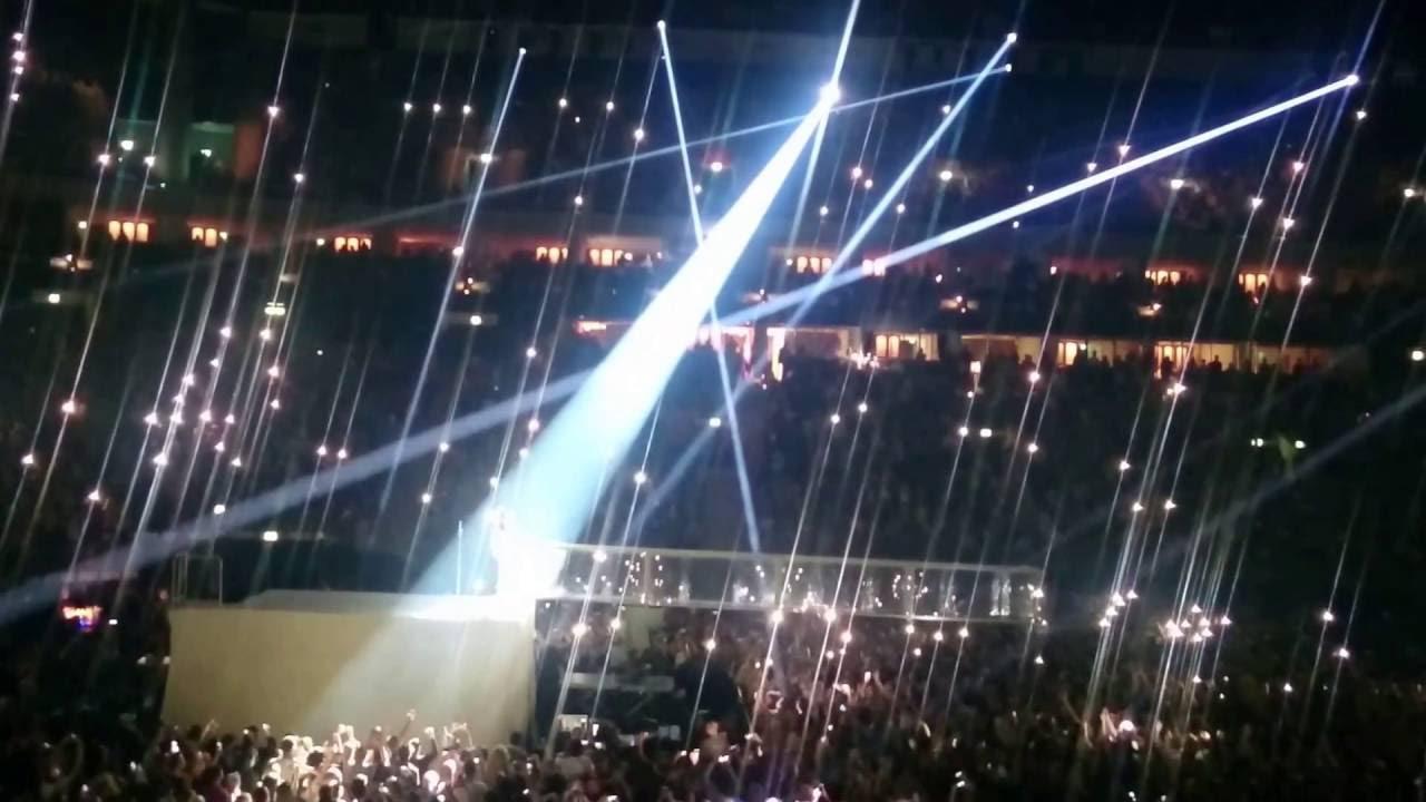 rihanna. mercedes benz arena berlin 2016 - youtube
