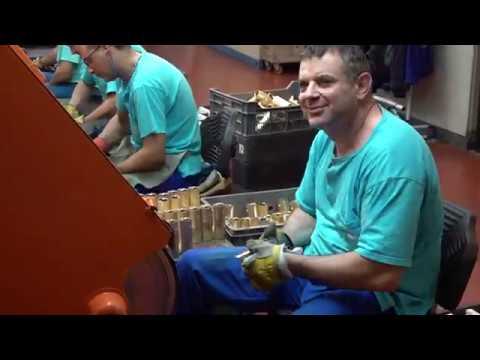 """Присъствах на официалното откриване на модернизирания завод за санитарна арматура """"Идеал Стандарт – Видима"""" в Севлиево. Тук работят 3200 души, иновативните продукти се изнасят в над 100 държави, а през последните 3 години компанията е инвестирала над 62 милиона лева. Държавата активно работи по строителството на АМ """"Хемус"""" и поне 10 фирми в Габрово и Севлиево решиха да направят нови инвестиции в района. Сигурен съм, че с изграждането на големите инфраструктурни обекти, всеки един ще усети голяма разлика в начина си на живот."""