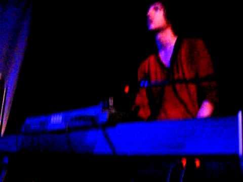 "The Kooks ""Saboteur"" Live @ Troubadour 6/23 Junk of the Heart"