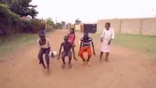 Repeat youtube video رقص افريقي مضحك