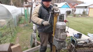 Смотри как пробурить абиссинский колодец в готовом приямке.(В этом ролике мы рассказываем как пробурить абиссинскую скважину в существующем приямке. Наш сайт - www.kolodzi.ru..., 2016-03-03T14:58:23.000Z)
