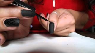 Nail Art Matt Con Decoro Lucido. Scusate L'emozione, Ma è Il Mio Primo Tutorial :)
