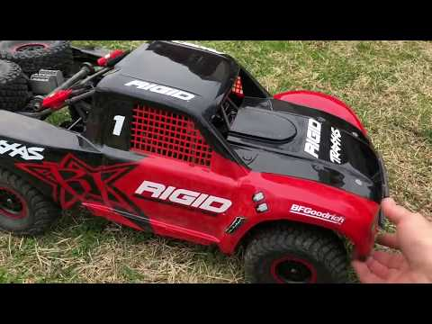 Traxxas Desert Racer UDR Snapped it like a twig 😳
