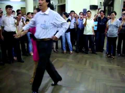 Chacha lớp 4 bài 1 vũ sư Lê Nguyệt