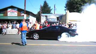 Camaro doing a burnout at Kruisin' Kittitas Burnouts