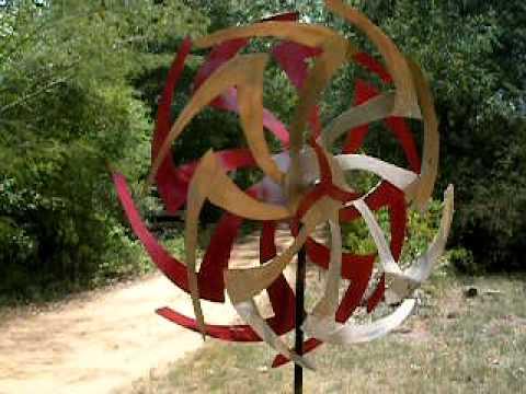 MAC POWELL KINETIC GARDEN ART