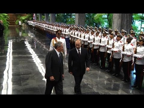 Putin in Cuba to rekindle Latin America ties