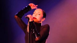 Sade • live  Brasil (Your Love Is King)