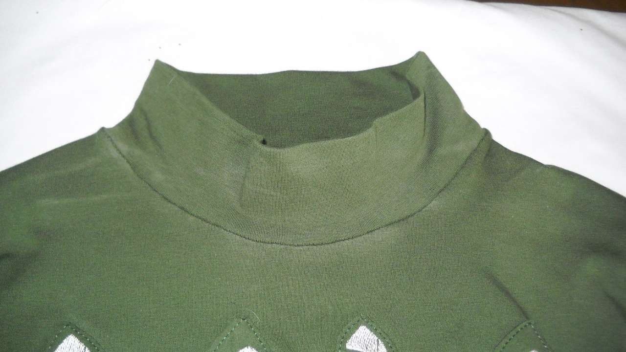 How to shorten the neck of a turtleneck t shirt diy for How to put a picture on a shirt diy