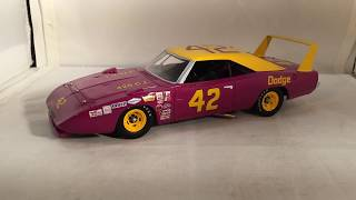Review: 1969 Marty Robbins #42 Dodge Charger Daytona 1/24 University Of Racing Legends Diecast