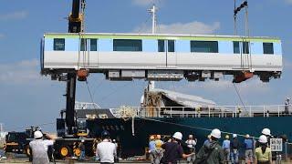 福岡市地下鉄の新車両、博多港に陸揚げ 22年導入、空港や山イメージ