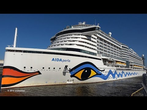 AIDAperla | sunny departure after maiden call at stormy wind in Hamburg | 4K-Quality-Video